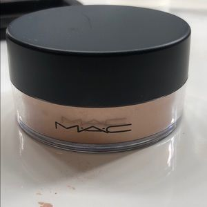 Mac golden bronze loose powder